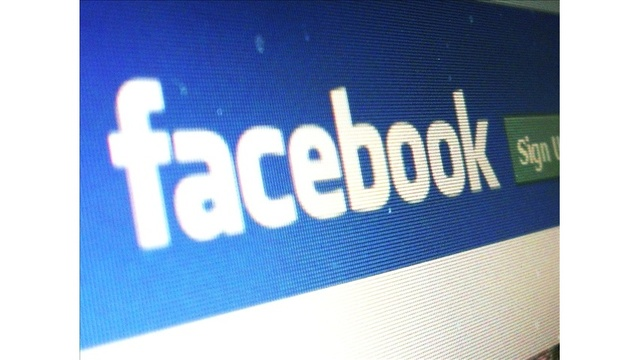 Is Facebook eavesdropping on your phone conversations?