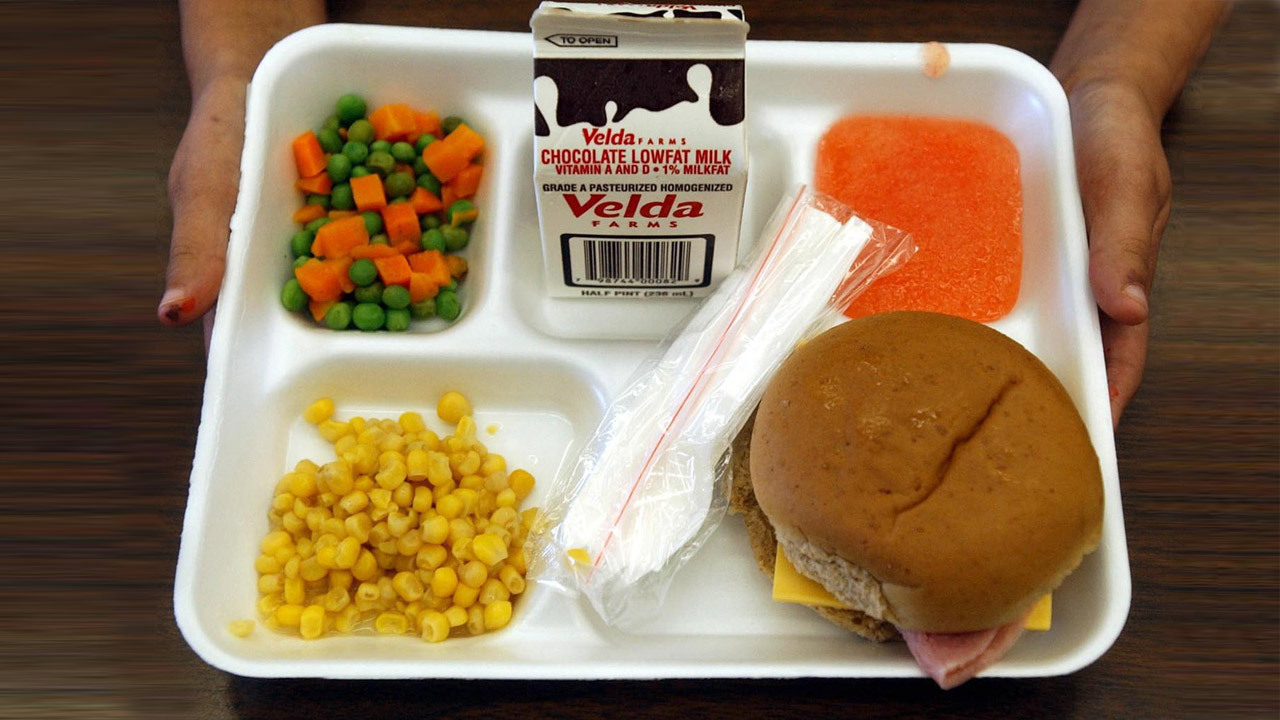 Lunch Lady Denies Food to First Grader Who Cant Afford It