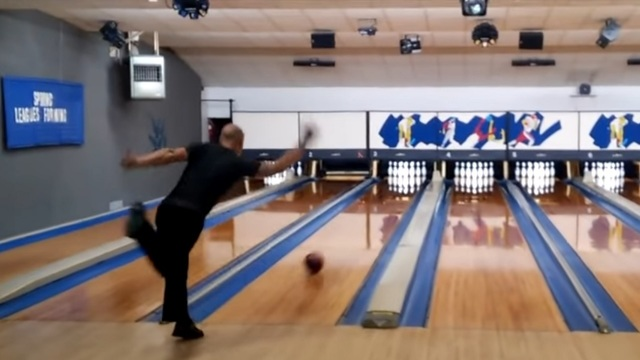 WATCH: NY Bowler rolls perfect game in 86.9 seconds