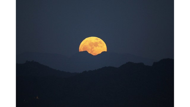 The only supermoon of the year is happening Sunday night