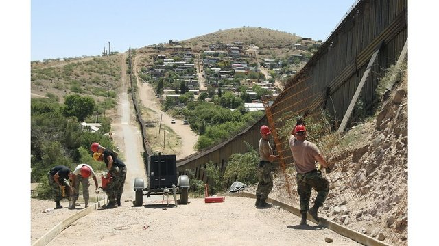Trump orders National Guard to Mexico border