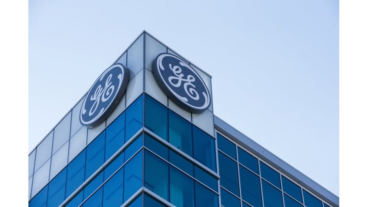 general electric shuffles management at power unit