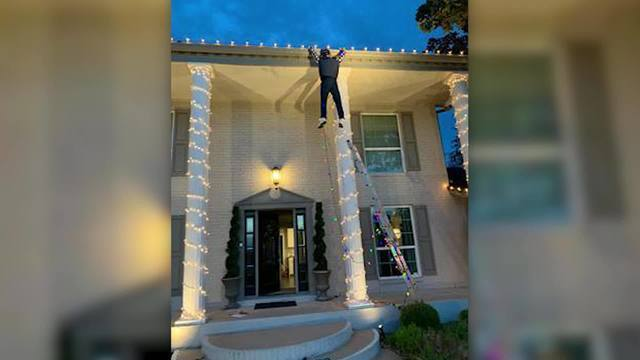 Realistic 'Clark Griswold' Christmas decoration has people calling 911